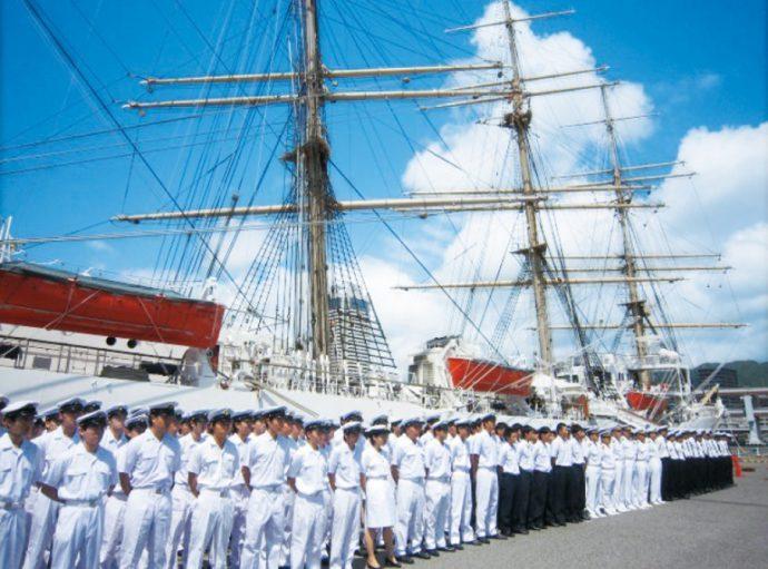 海に感謝し親しむという、「海の日」に開催される日本最大級の海の祭典「海フェスタ」
