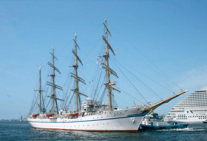 「海フェスタ」の一環に、多くの帆船が神戸港に集う「帆船フェスティバル」を予定。国内外の帆船約10隻の誘致を目指す
