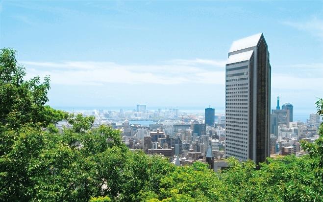 新神戸駅から400メートルの場所に位置し、都会のすぐ側にありながら手軽に登山を楽しめる