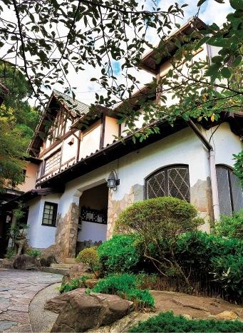 元迎賓館の美食料亭・須磨観光ハウス「花月」。海の絶景と神戸ならではの非日常空間を。宿泊も可能