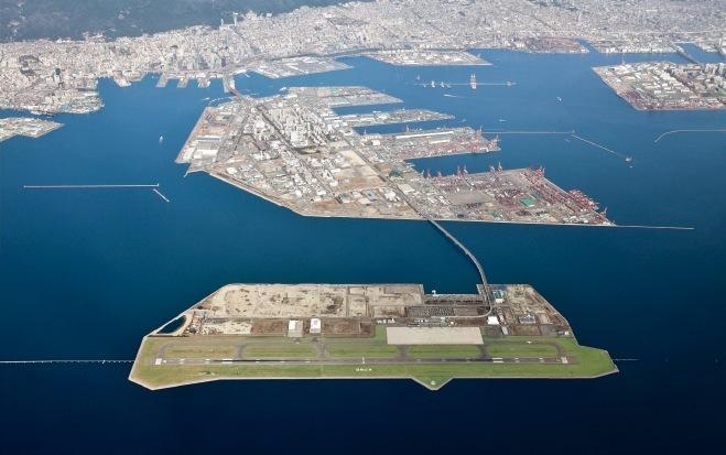 ポートアイランドの南に、2006年に開港して10周年を迎えた