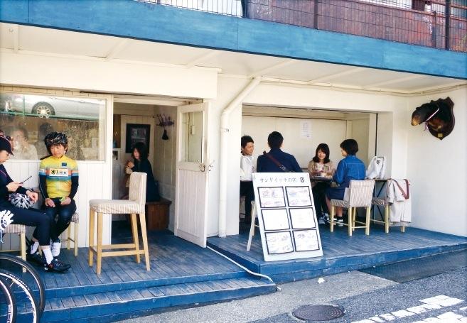 サンドイッチの店「3」は、たくさんの具材のコンビネーションを楽しめて人気