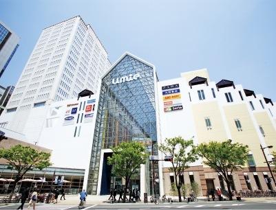 2013年にオープンした大型ショッピングモール「神戸ハーバーランドumie」