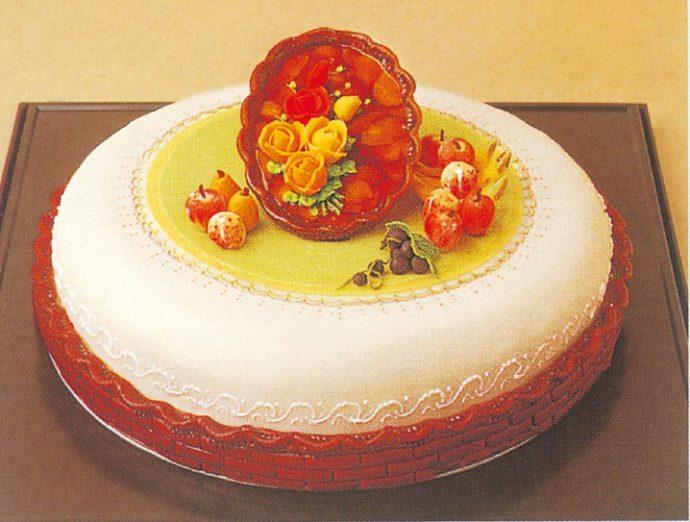第2回全国洋菓子技術コンテスト大会 金賞/椎葉浩さん(神戸凮月堂)