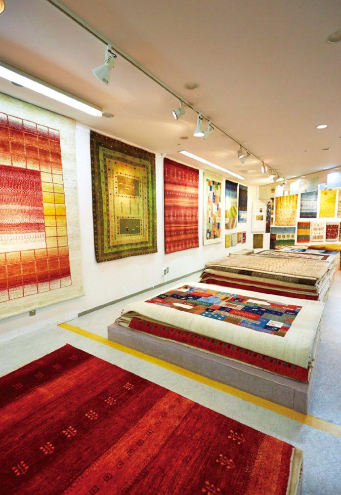 南ペルシアの遊牧民がつくる絨毯「ギャッベ」。ゾランヴァリ社の日本代理店も務める