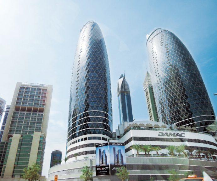 独創的なデザインのビルが立ち並ぶ、中東アラブの都市ドバイ
