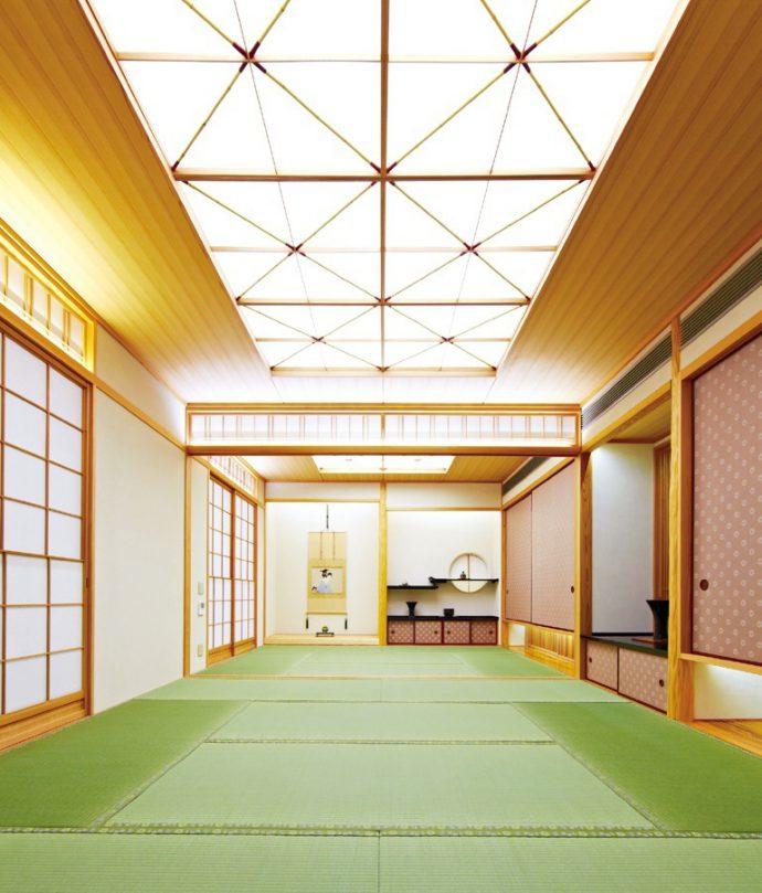 日本の伝統的な空間づくりにも自身の創造力が生かされている