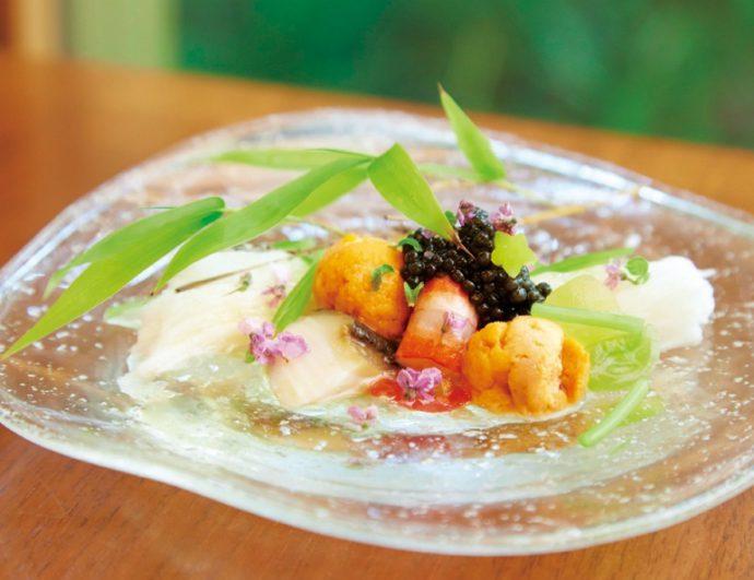 「日本料理の良さは季節感」と高木さん。頻繁に海外に出向き、本物の日本料理を広める