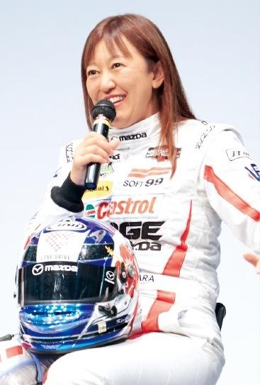女性レーサーの第一人者、井原慶子さん