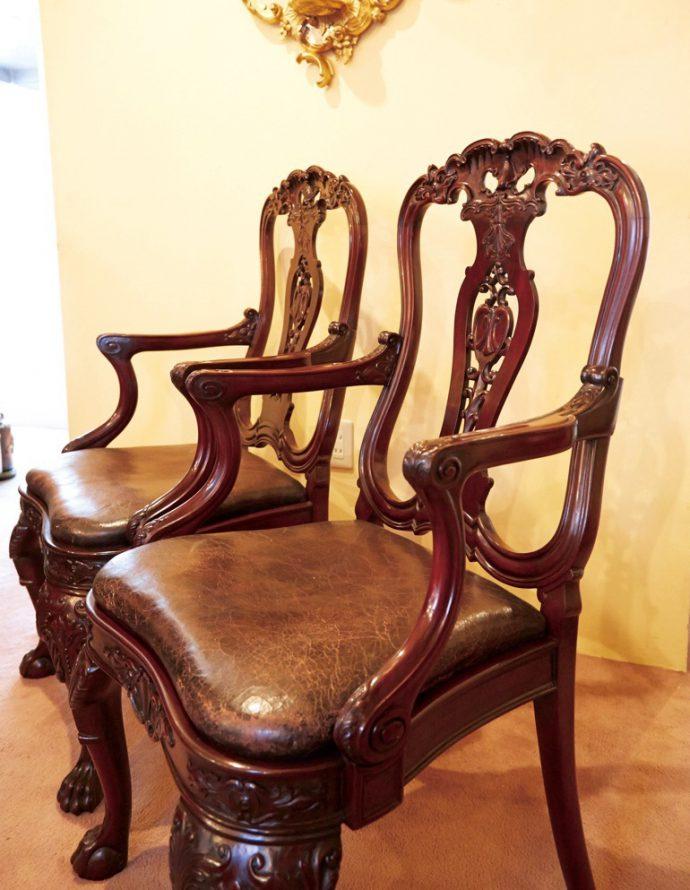 アームチェア。英国ではこれらは、家の主のための椅子として、ダイニングのエンドに配されます