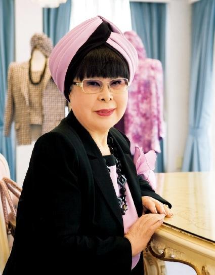 文金高島田の時代に、ウエディングドレスを日本に広めた桂由美さん。『ウエディングドレス』は、桂さんの50年のデザイナー人生をモデルにしている