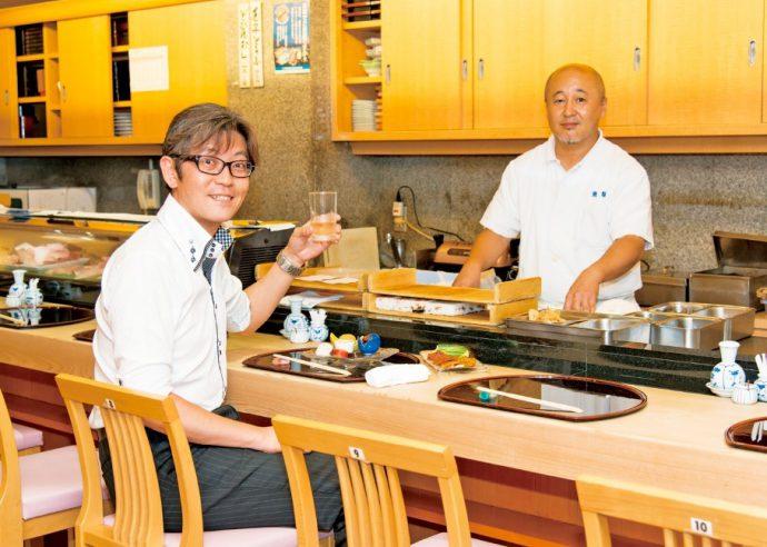 店主・中島光隆さん(右)は、日本料理の伝統の技を引き継ぎたいと短大講師やお料理教室講師もつとめる