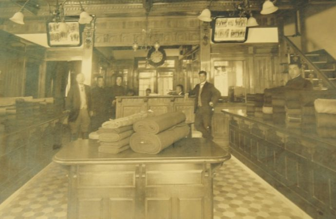 明治16年、日本人初のテーラーとして初代柴田音吉が開業した店舗