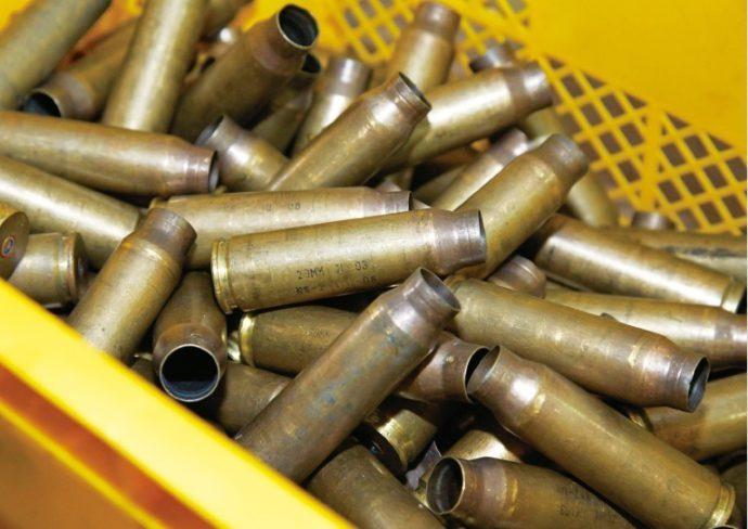米軍基地に運ばれる薬莢の数は年々増えている