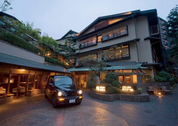 鎌倉時代以来800年の「御所坊」は木造3階建て。日本の旅館情緒に西洋文化の良さを取り込み、独自の空間を生む