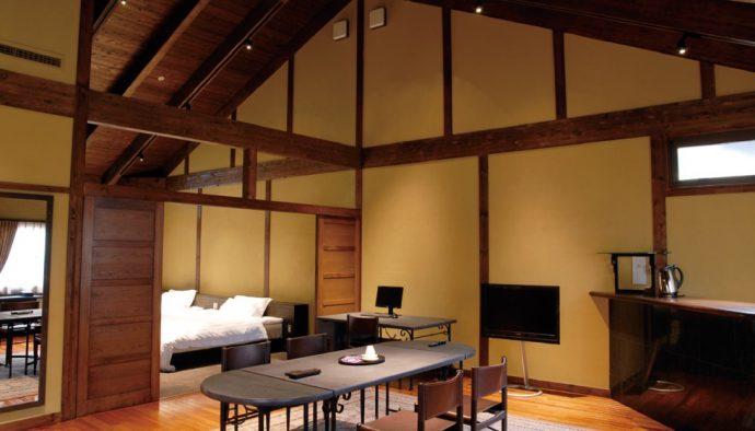 開放感ある高い天井が特徴。サーマルルームでゆったりと寛ぐこともできる