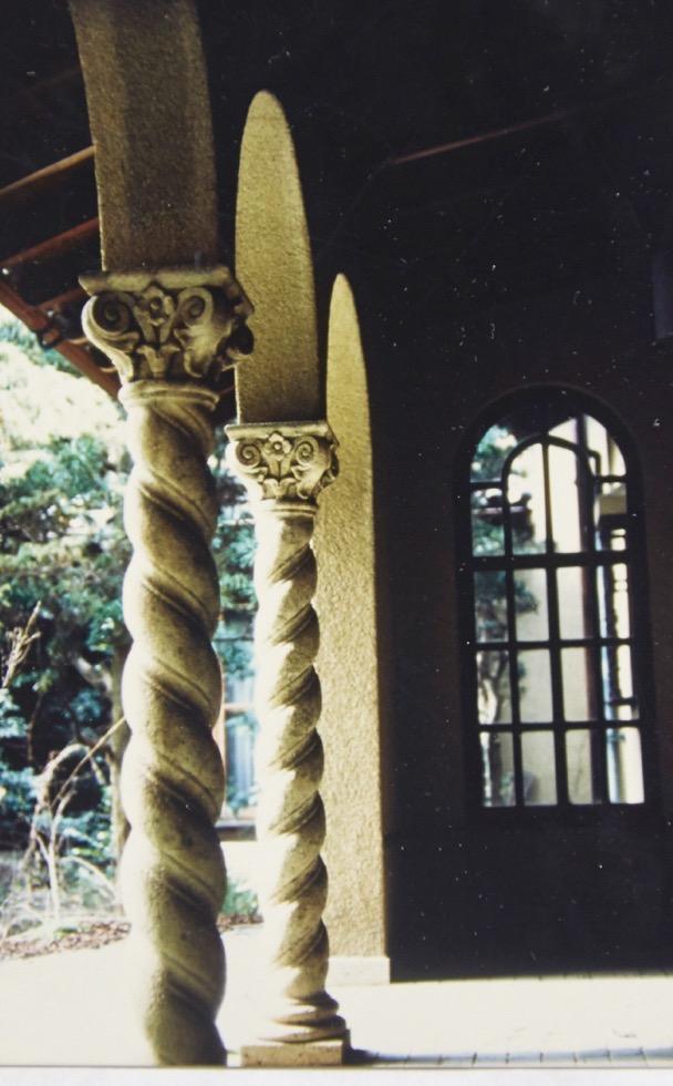 柱頭飾が印象的だった松岡潤吉邸。現存しない