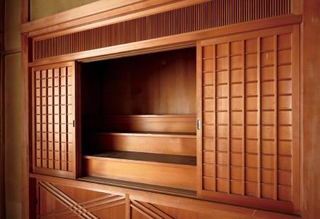 2階の和室には、神棚の間を設けた。個人宅としては大変珍しい設計