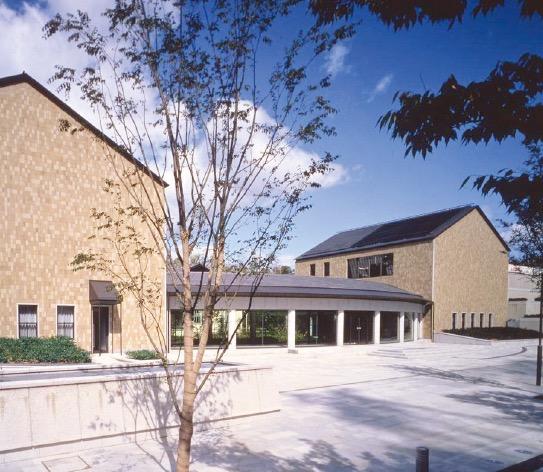 平成4年(1992)、六甲アイランドに完成した神戸市立小磯記念美術館