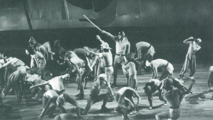 太平洋戦争をテーマにした「つるのとぶ日」演出・振付は貞松融さん、 浜田蓉子さん(1970年)