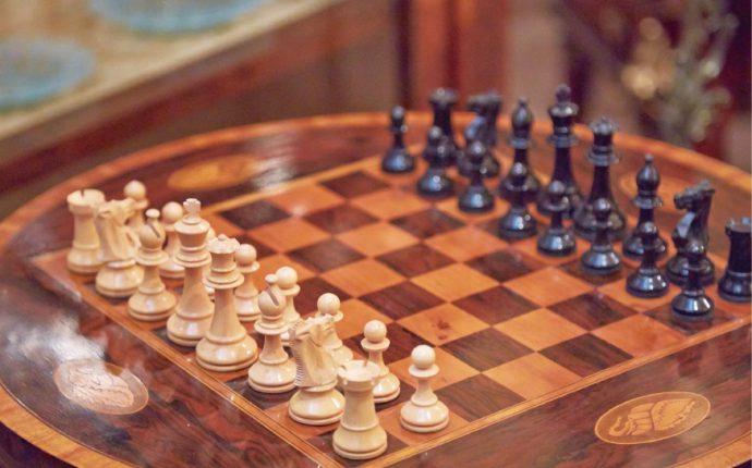 イギリス製「チェステーブル」1880年頃