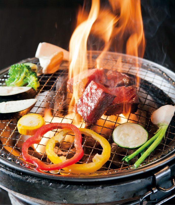 炭火で焼いたとろける和牛