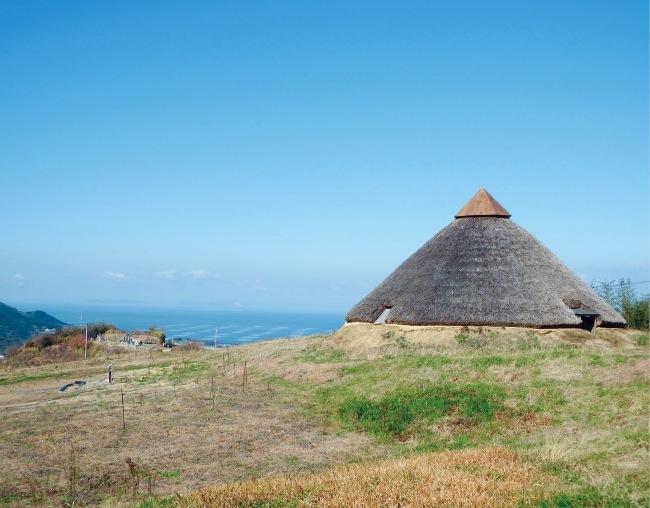 五斗長垣内遺跡は、弥生時代後期の国内最大規模の鉄器製造群落遺跡でもある