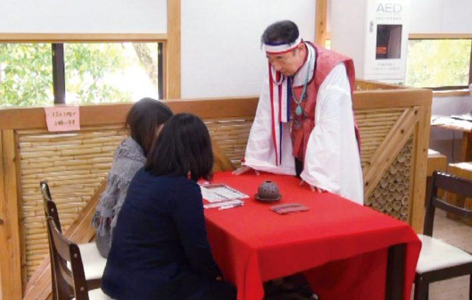 正式参拝では、お香でのお清め、語り部の案内による拝殿の特別参拝に、縁起グッズや特典もいっぱい