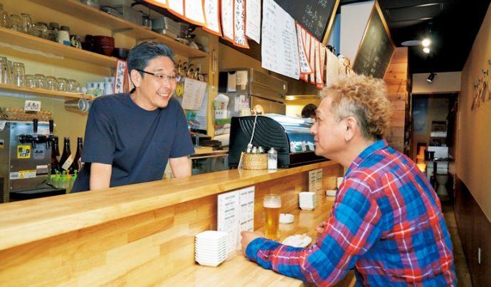 「國 KOKU」オーナー・國米恒吉さん(左)とは<神戸や地域を元気にしたい>という思いを同じくする