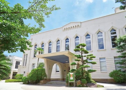 本館は国の登録有形文化財に登録されている