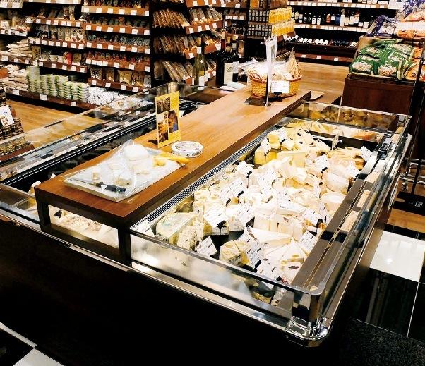 約65種類ものセレクトチーズが揃うチーズコーナー(ZONE2)