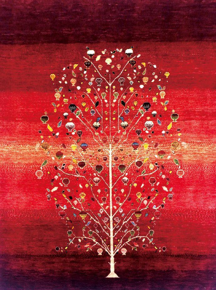 ゾランヴァリ手織りギャッベの最高峰「ルリ族ザクロ文様」