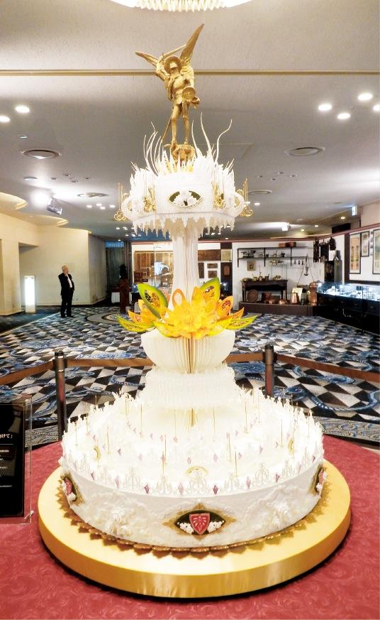 エーデルワイスのパティシエ50人が50日をかけて制作した創業50周年のピエスモンテ