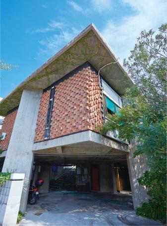 縦横交互に積み上げた煉瓦の外壁。浦太郎邸