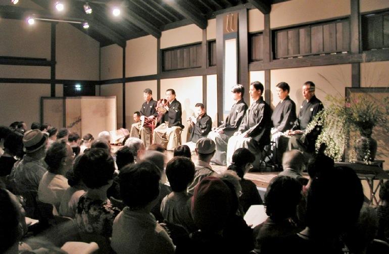 白鷹禄水苑で公演される居囃子の会。11月12日には、「道成寺」をとり上げる