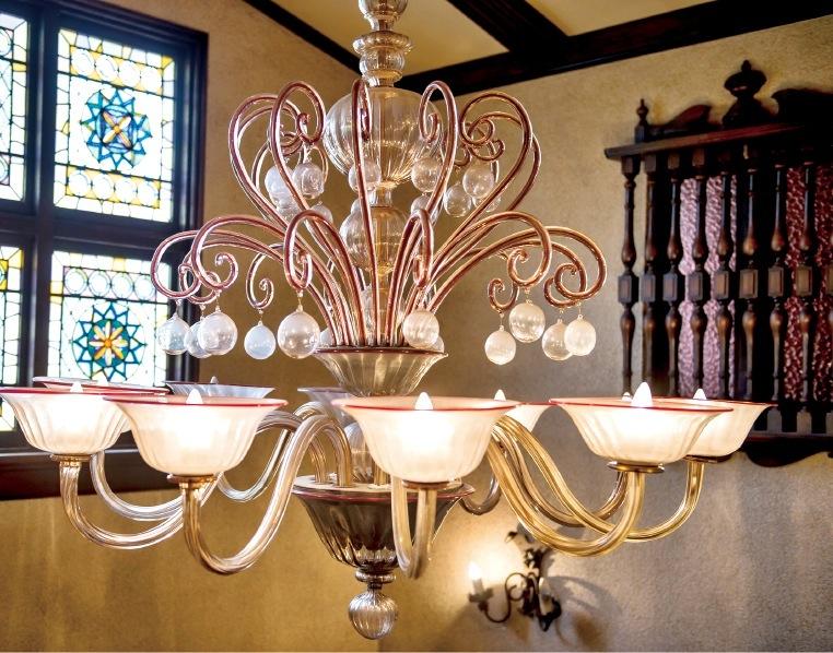 ベネチアンガラスを使用した玄関ホールの照明