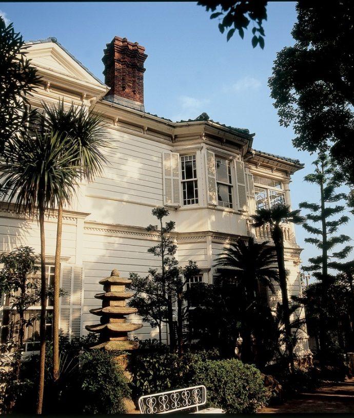 「白い異人館」と呼ばれ、親しまれた「小林家住宅(旧シャープ住宅)」。昭和53年現在の「萌黄の館」である