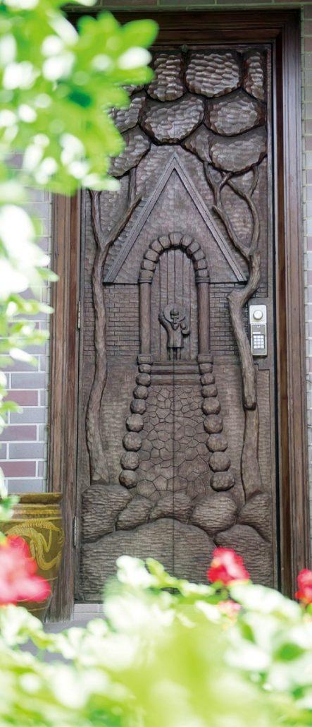 夙川千歳町にある渡辺二笙さんの自宅のドア