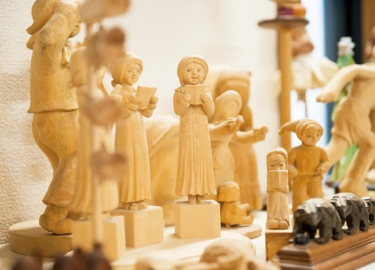 木彫は生涯の趣味として人気上昇中