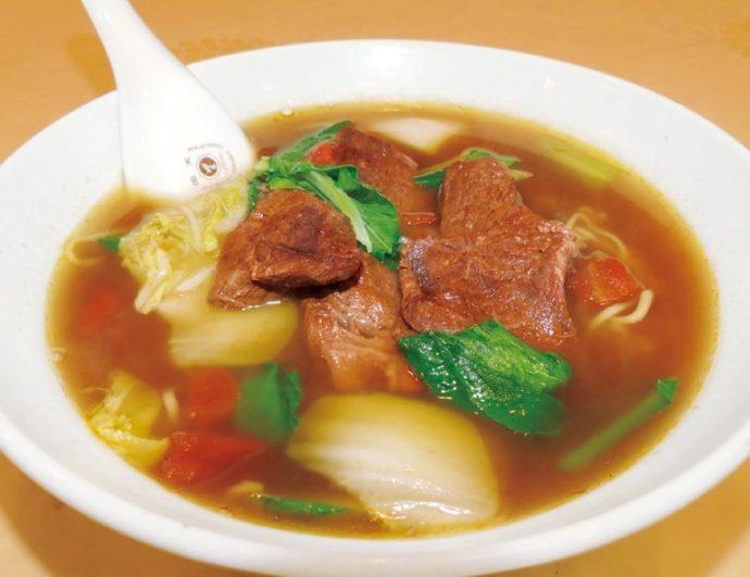 台湾の家庭では、それぞれの味付けがある牛肉麺